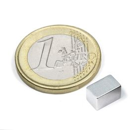 Q-08-05-05-Z Parallelepipedo magnetico 8 x 5 x 5 mm, tiene ca. 1,1 kg, neodimio, N45, zincato