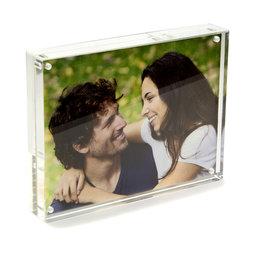 FRM-02, Fotolijstje 15 x 11${dec}5 cm, met magneetsluiting, van doorzichtig plexiglas, voor staand of liggend formaat